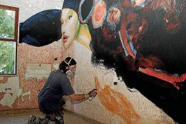 El proyecto Widewalls transforma un hostal abandonado en espacio artístico
