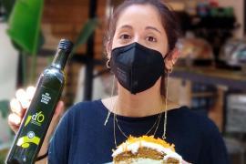 Linda Vásquez y su tarta de zanahoria con Oli de Mallorca DO.