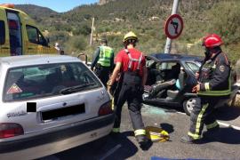 Dos heridos, uno de ellos grave, en un choque  frontal en la autopista Palma-Andratx