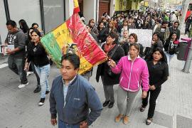 Familiares y amigos de la fallecida Soledad Arnés se manifiestan para clamar justicia
