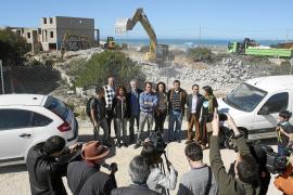 GOB y PSM celebran el derribo de los chalés de ses Covetes logrado por la lucha ecologista