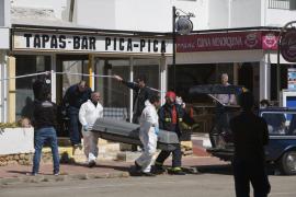 Un hombre fallece por inhalación de humo en un incendio en un bar de Cala Galdana