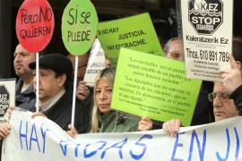 La oposición en bloque, los sindicatos y la PAH rechazan la propuesta del PP sobre desahucios