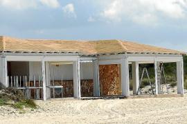 El Ajuntament vuelve a sacar a concurso los chiringuitos de las playas