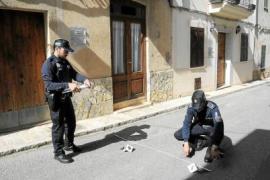 Muere una mujer de 75 años en Andratx tras aparecer golpeada frente a su casa