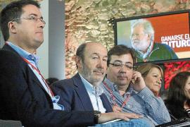 Rubalcaba propone un impuesto para que «paguen más» los ricos