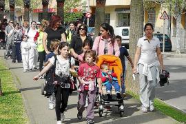 Centenares de vecinos se suman a la actividad física en el Molí d'en Beió
