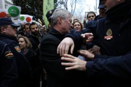 Un juez abre diligencias contra Verstrynge por el escrache a la vicepresidenta