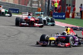 Vettel gana el Gran Premio de Baréin en un día nefasto para los Ferrari