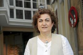 Caterina Valriu recopila las leyendas de las Islas en un volumen «curioso»