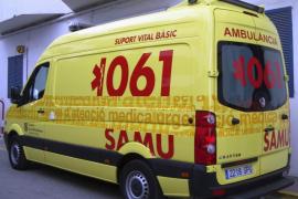 Multan a una ambulancia por parar en una calle de Palma para recoger a un paciente grave