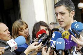 El PSOE aplaca el debate de la sucesión con su idea de suprimir el Senado