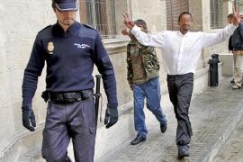 Libertad con cargos para el cliente de un bar de Gomila que lesionó la tráquea a un policía