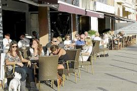 Cort recauda un 85% más por las tasas de las terrazas en lo que va de año