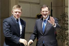 Rajoy aprobará el viernes nuevos recortes, aunque no prevé tocar el IVA y el IRPF