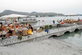 El Ajuntament saca a licitación las terrazas del paseo marítimo tras el varapalo judicial