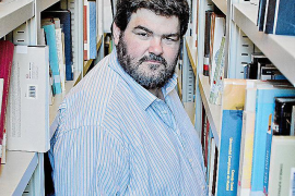 Moll edita una antología de narradores en catalán menores de 40 años