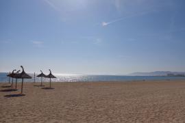 Cort «tematizará» los 15 balnearios de la Platja de Palma para mejorar su calidad