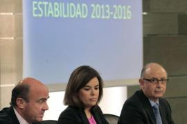 Ministros de España Luis de Guindos, Soraya Sáenz de Santamaría y Cristóbal Montor