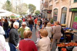 La ciudad vive su 'Dijous Bo' del mes de mayo