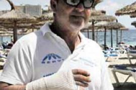 Llegan los primeros 'hooligans' a Magaluf y agreden a un operario de la playa