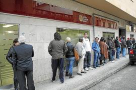 Cinco de cada diez parados de Balears no cobran ninguna prestación por desempleo