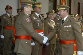 Estaún sustituye a Domingo como comandante general de Balears