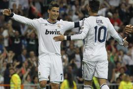El Real Madrid retrasa el alirón del Barça con una goleada (6-2)