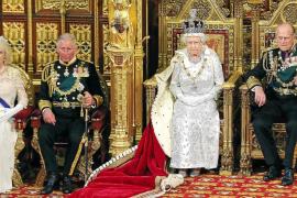 Isabel II promete defender la voluntad de los gibraltareños a decidir su futuro