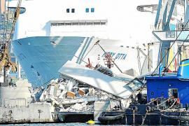 Siete muertos al chocar un barco contra la torre de control del puerto de Génova