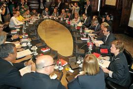Los firmantes de la declaración soberanista acentúan su pulso con el Gobierno