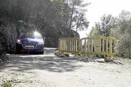 Un tramo de la carretera del Port des Canonge, afectado por un desprendimiento