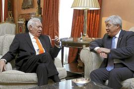 Margallo admite que «en esta crisis no sabemos cuál es la solución»