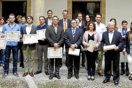 La Escola Superior Balear entrega sus diplomas de los cursos del año 2011-2012