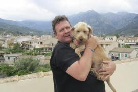 Una familia adopta a Bob, el perro del vagabundo que murió en una alcantarilla