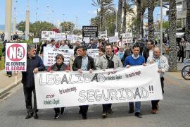 Piden más contundencia contra la venta ambulante ilegal en s'Arenal