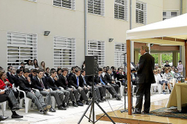 La primera promoción del colegio Llaüt