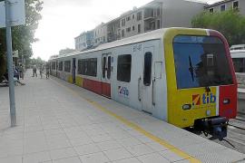 La Associació d'Usuaris del Tren pide voz para frenar los recortes