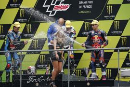Viñales vence en el Gran Premio de Francia de Moto3 por delante de Rins y Salom