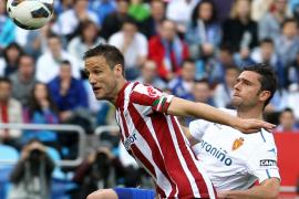 Al Athletic le bastan diez minutos para meter en un lío al Zaragoza