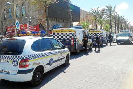 Gran despliegue policial para evitar peleas entre grupos neonazis y senegaleses en Platja de Palma
