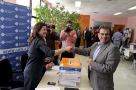 Llorenç Huguet es elegido rector de la Universitat con el 52,68 % de los votos