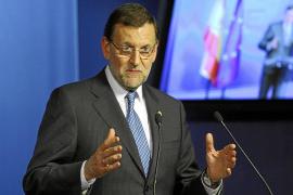 Rajoy resta importancia a Aznar y señala: «No voy a cambiar de política económica»