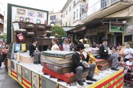 MANACOR. FERIAS. DESFILE DE CARROZAS Y COMPARSAS EN LAS FIRES I FESTES DE MANACOR.