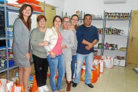 Unas 120 familias reciben alimentos básicos gracias a un proyecto solidario