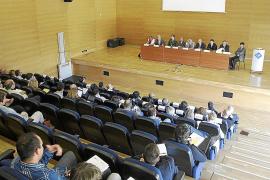 Expertos constitucionalistas discrepan en Palma sobre el modelo territorial