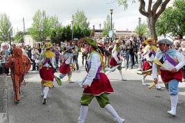 La solidaridad y la identidad de pueblo marcan el inicio de las Fires i Festes de Primavera