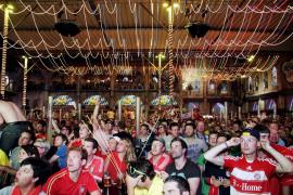 Los aficionados alemanes disfrutan de la final de la 'Champions'