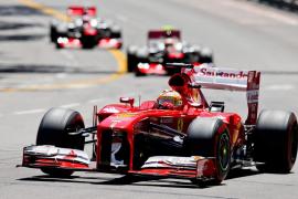 Alonso: «Espero que Sergio Pérez aprenda la lección»