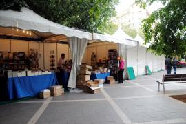 Una Fira del Llibre «más cercana» se instala en Via Roma y La Rambla